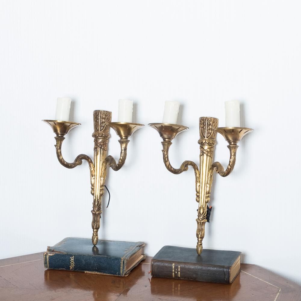 paire d'appliques en métal doré style Louis XVI, objet ancien, lescuriosites d'Emilie