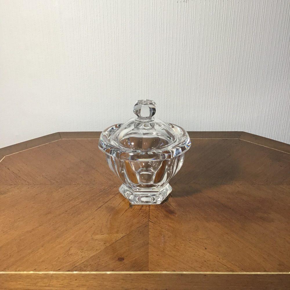 Pot ou sucrier en cristal de Baccarat objet de luxe les curiosites d'emilie