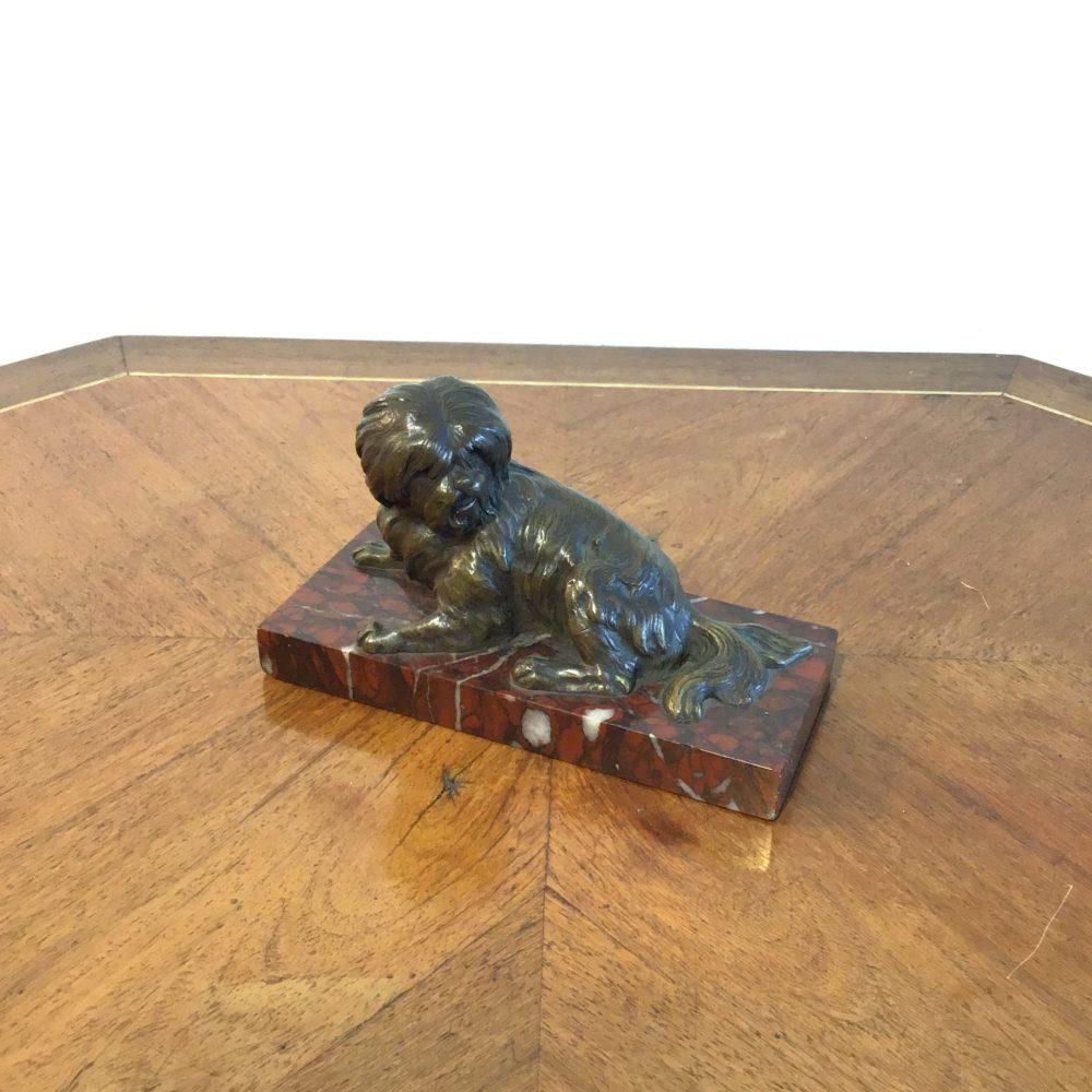 Bronze représentant un chien, sur socle en marbre rouge, non signé, les curiosités d'emilie 6