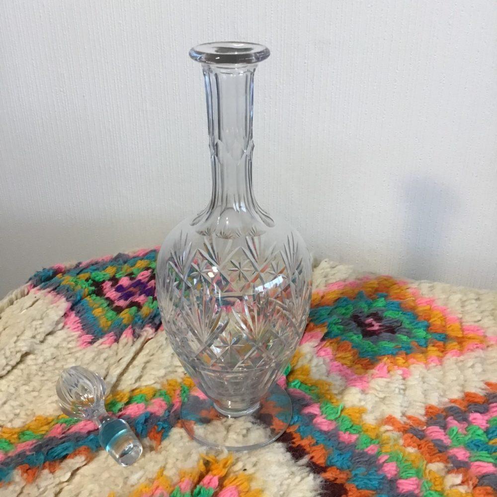 Carafe en cristal ciselé ancienne numérotée 262 les curiosités d'Emilie