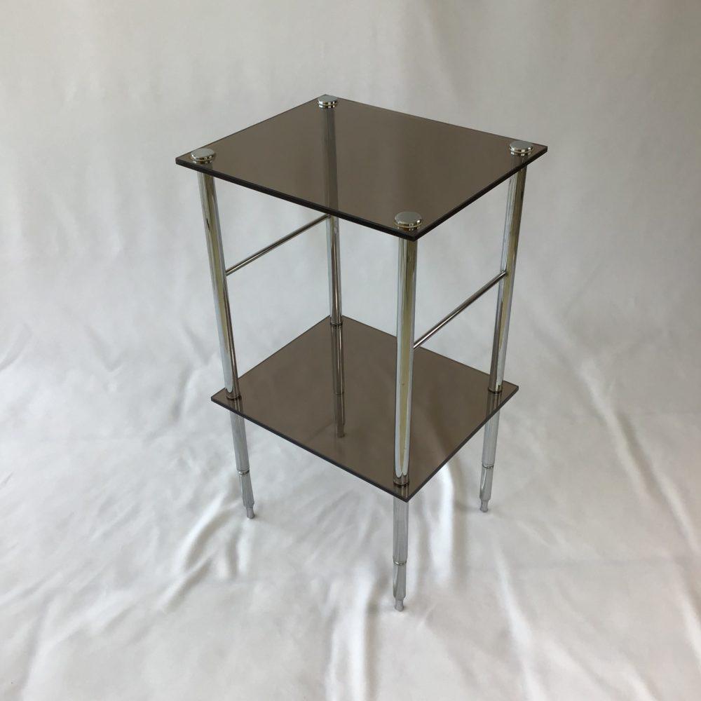 Table d'appoint en métal chromé et verre fumé vintage années 70 5