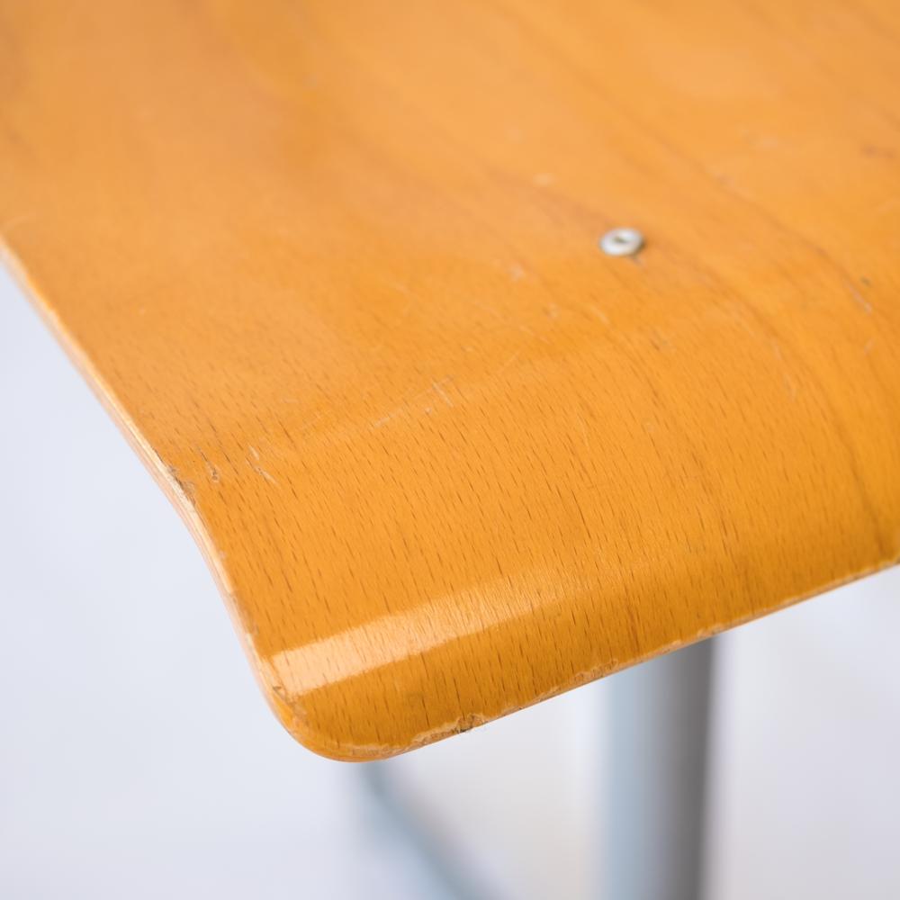 chaise-ecolier-années-50-vintage-mobilier-industriel-les-curiosites-demilie 2