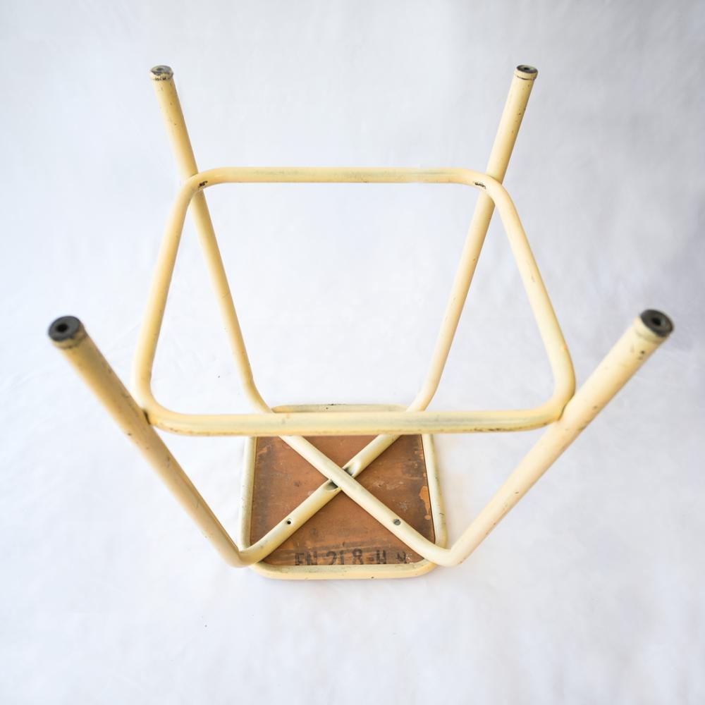Tabouret métallique -industriel-vintage-lescuriositesdemilie