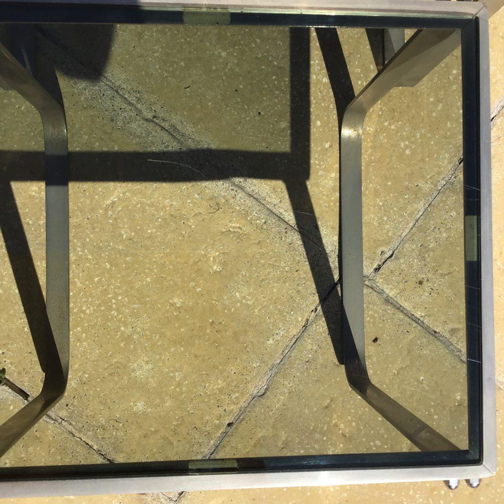 Table-gigogne-années-70-en-acier-chrome-verre-fumé-vintage-les-curiosites-d-emilie-4