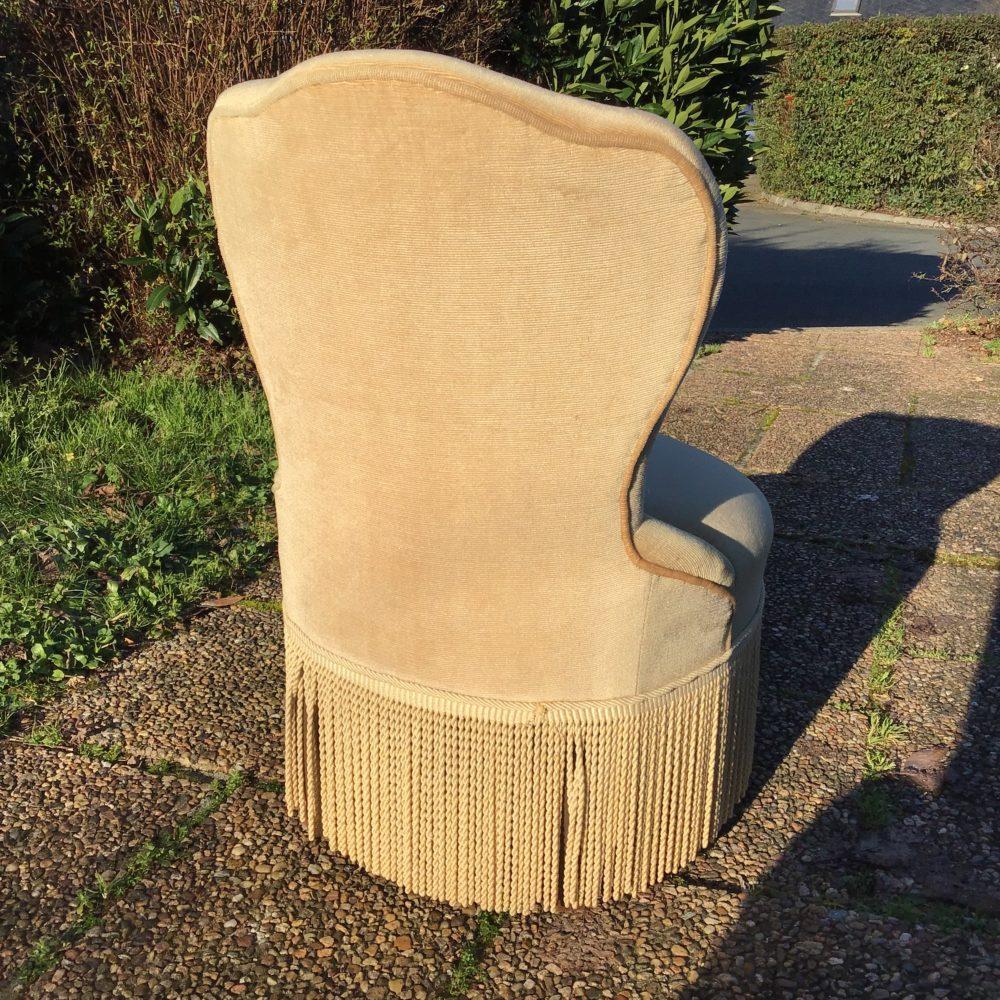 petit-fauteuil-velours-beige-crapaud-les-curiosites-d-emilie-5