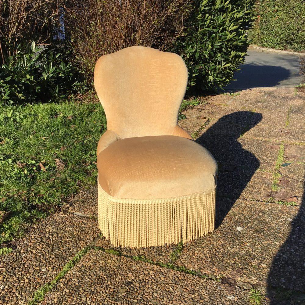 petit-fauteuil-velours-beige-crapaud-les-curiosites-d-emilie-2