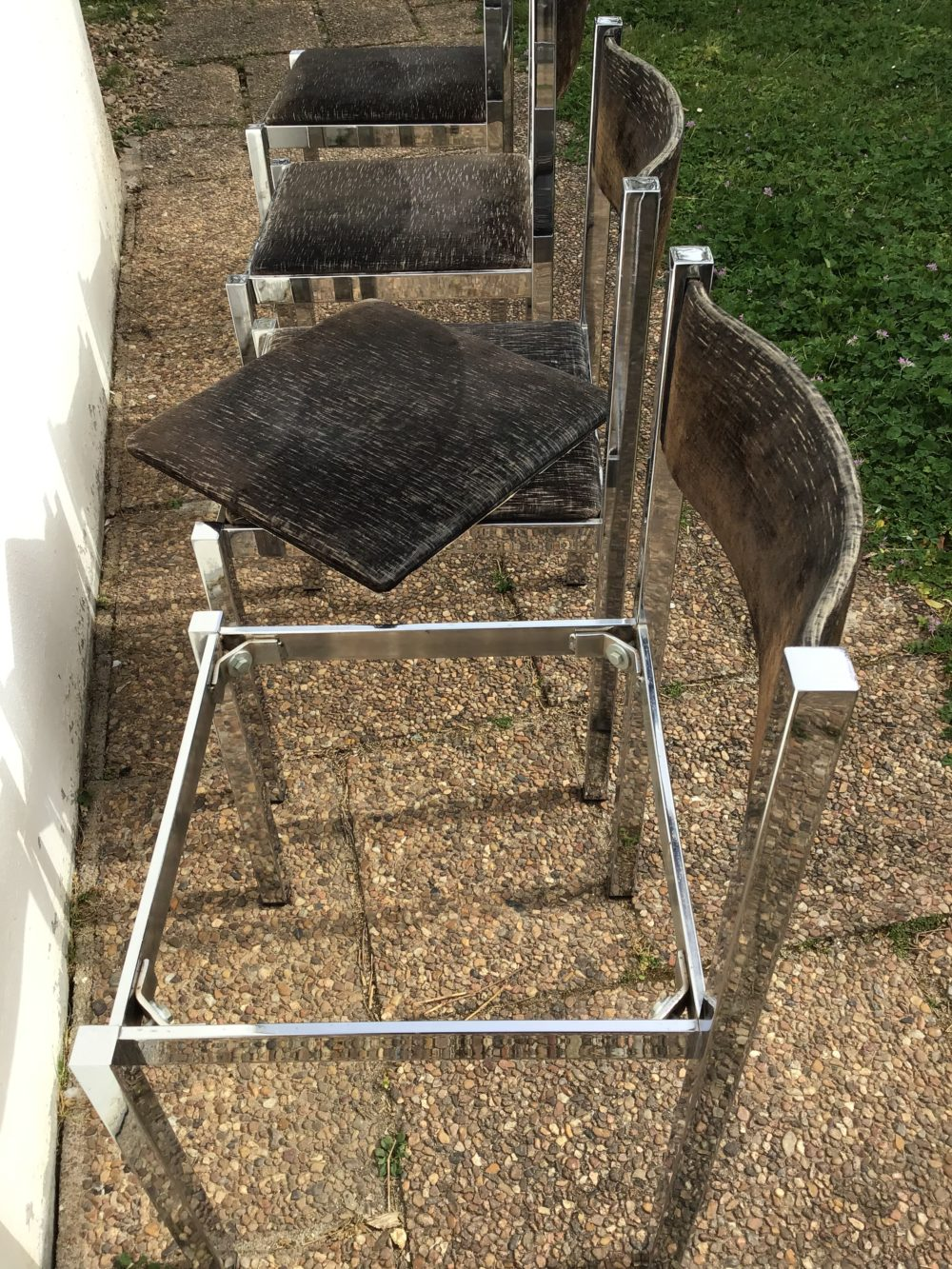 Chaises-italiennes-vintages-annees-70-metal-chrome-les-curiosites-d-emilie-3