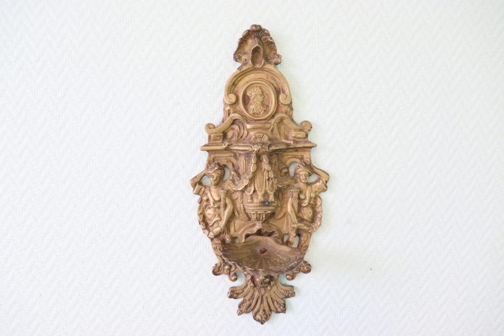 bénitier-en-bronze-XIX-eme-les-curiosites-d-emilie